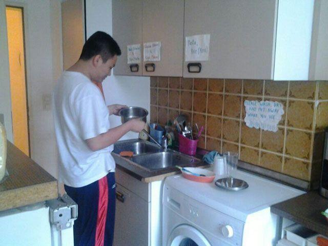 Dapur seadanya, kamar seadanya, harus bisa hidup sederhana