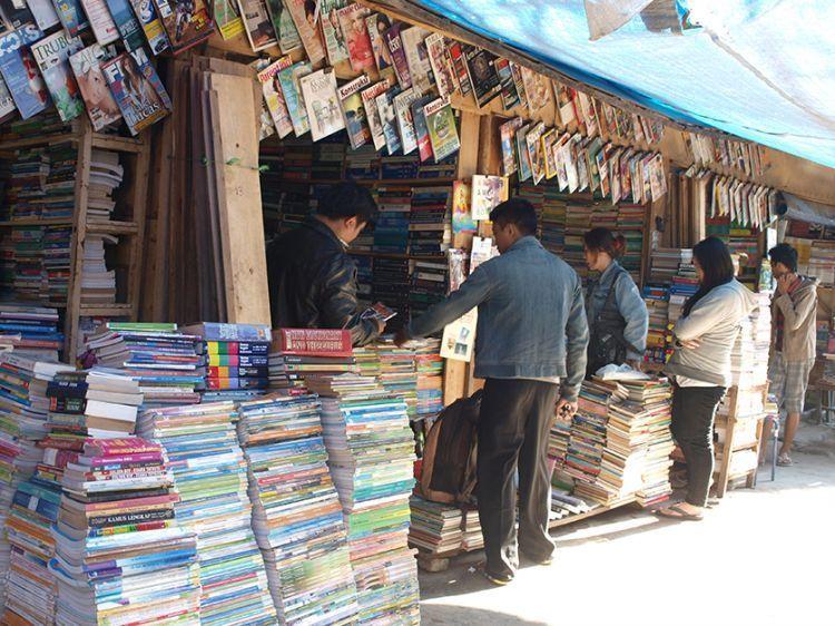 Majalah bekas akan bernilai lebih jika kamu jual ke pasar yang tepat