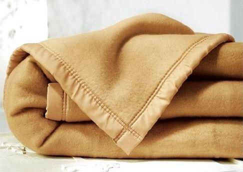 Ketika hawa dingin menyerang, selimut menjadi andalan