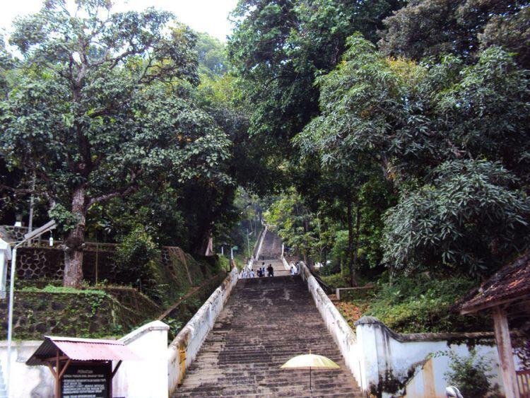 tangga makam Raja Imogiri