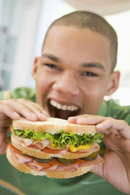 Sandwich isi banyak