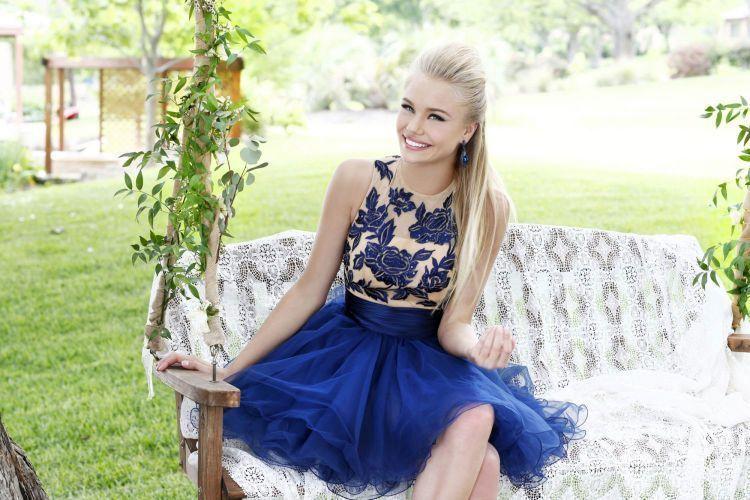 Dress warna biru yang cantik dan fresh