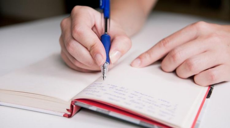 Tulislah pencapaianmu dalam jurnal, walau itu kecil