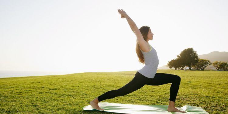Untuk melatih fleksibilitas tubuhmu