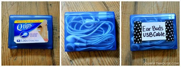 Gunakan kotak khusus untuk menyimpan earphone