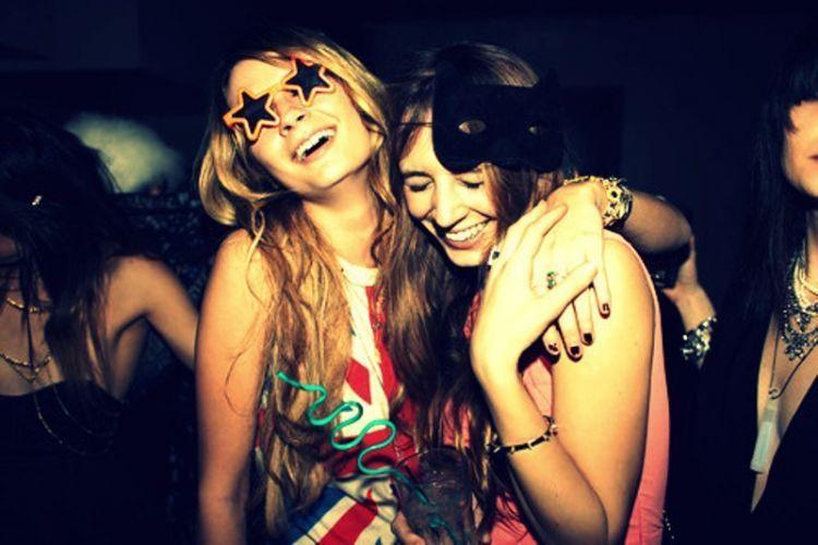 sahabat bukan ban candangan yang hanya bisa diajak untuk bersenang-senang