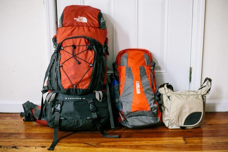 Bantu temanmu packing