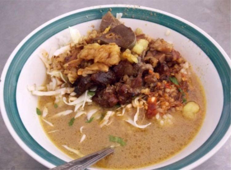 Kuliner khas Nganjuk Sego Becek