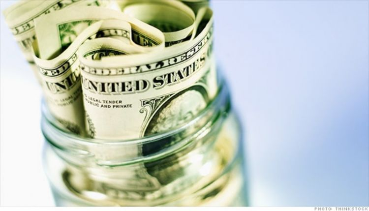Menyimpan uang untuk keperluan perjalanan itu penting