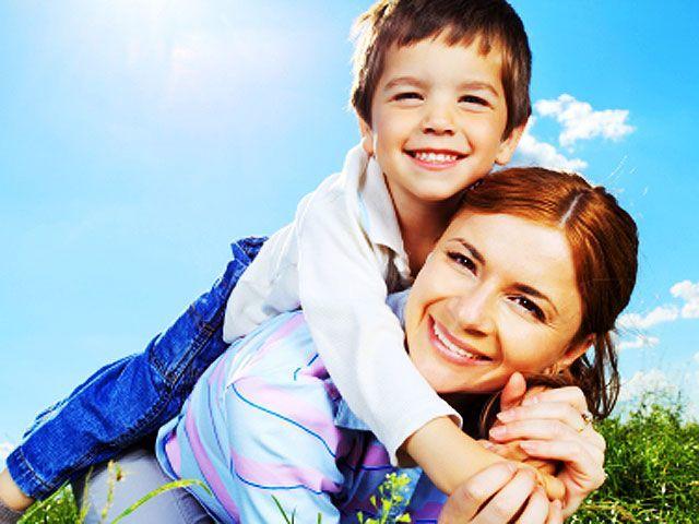 happy-mom-son-4x3