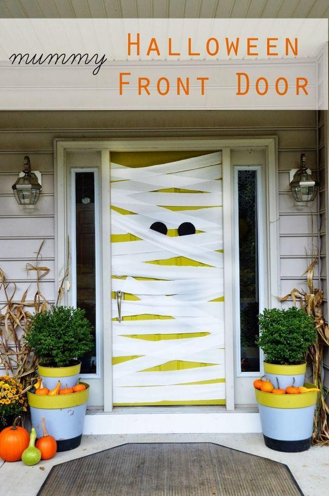 Dekorasi pintu rumah yang indah berperban