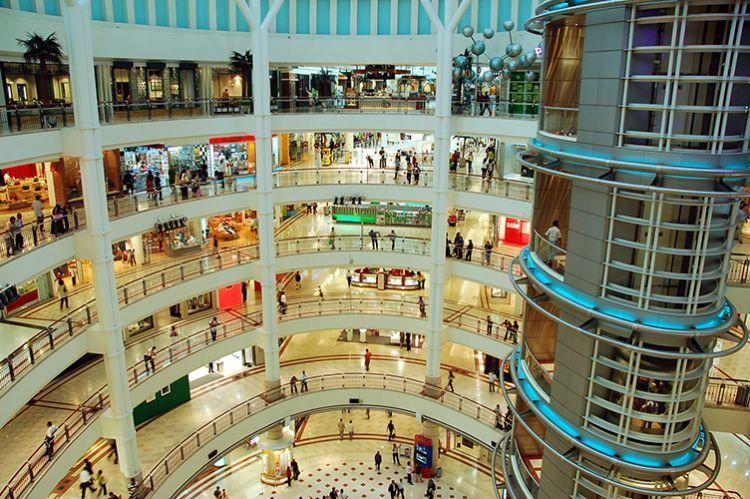 Masih satu daerah tapi mallnya sampe banyak