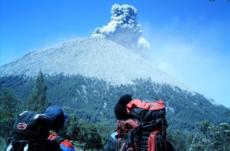 Megahnya gunung Semeru