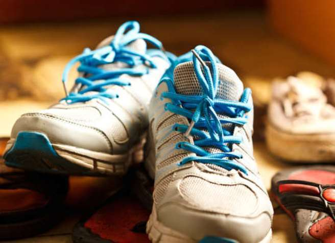 Garam untuk menghilangkan bau tak sedap pada sepatu