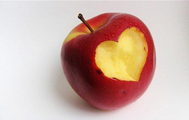 Suka mendadak lapar ketika puasa? Konsumsilah apel segar