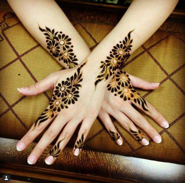 Desain tato henna yang indah
