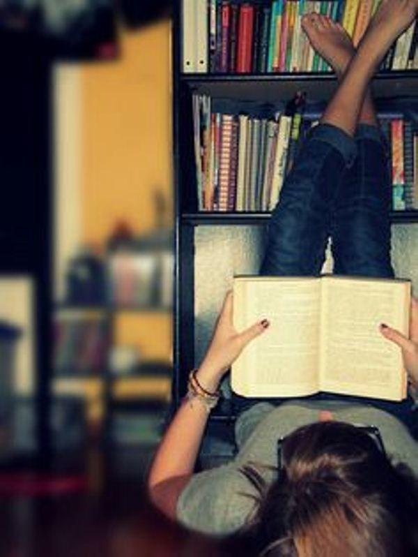 baca buku setiap hari