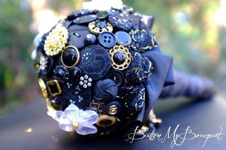 Buket bunga pernikahan unik dari kancing