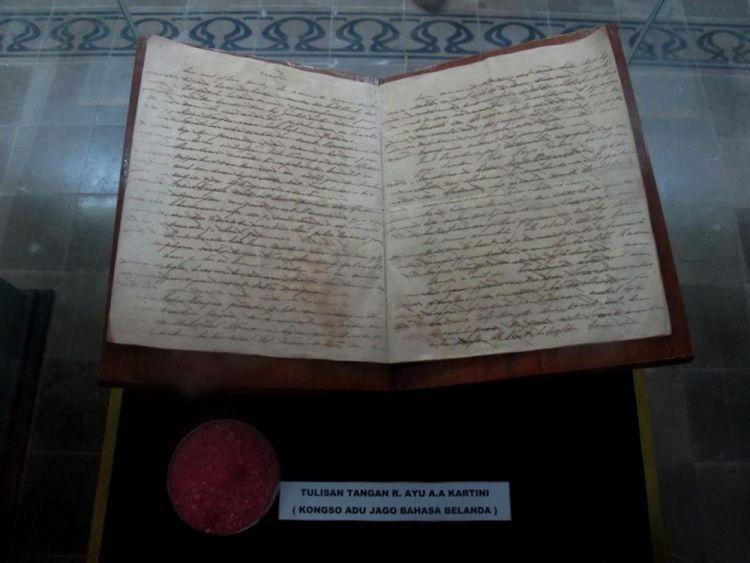 Salah satu tuisan Kartini di Museum Kamar Pengabdian RA Kartini