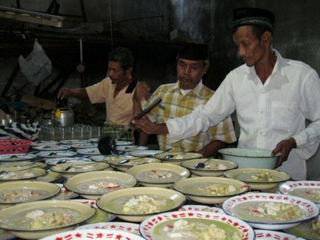 Nikmatnya nasi bubur dan sayur lodeh
