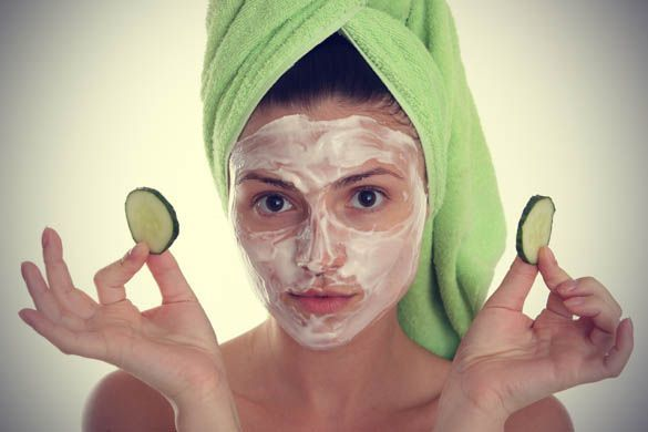 susu dan mentimun adalah kombinasi yang layak dicoba untuk memberi kesan rileks pada wajah