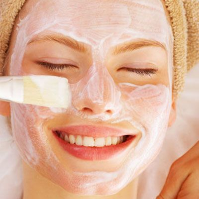 susu dan lemon ternyata bisa menjadi kombinasi masker yang berguna mencerahkan wajah