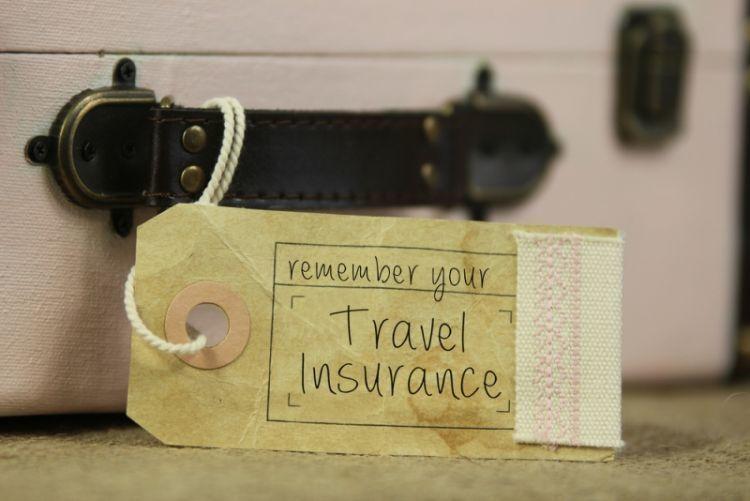usahakan beli asuransi perjalanan