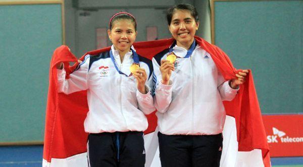 Greysia Polli/Nitya Krishinda Maheswari saat ,meraih medali emas Asian Games 2014