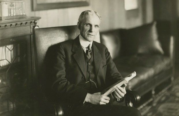 Henry Ford, pemilik Ford Motor Company.