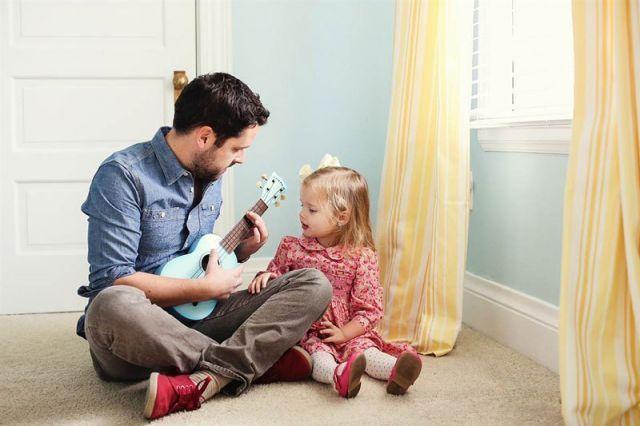 ayah dan putri kecil