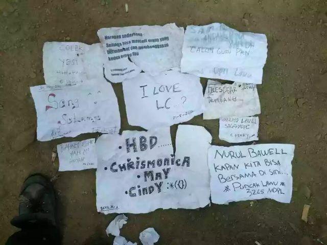 Sampah kertas ucapan sehabis selife