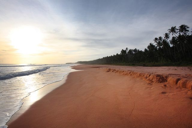 Pantai Pasir Merah, Nias Utara