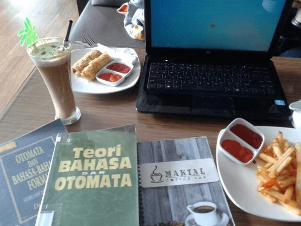 Cari wifi gratisan di cafe