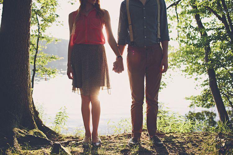 Pernikahan malah membuat kita harus patah hati berkali-kali pada orang yang sama