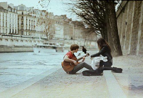 Setiap hari penuh melodi