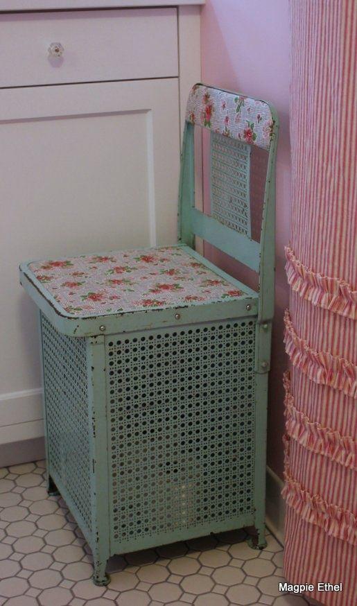 Kursi + keranjang laundry