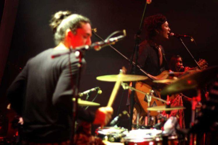 Duet Maut Gitar dan Drum