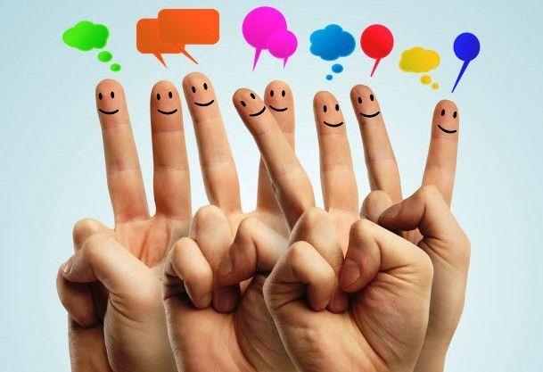 Sosial media menjadi jalan untuk saling menyapa