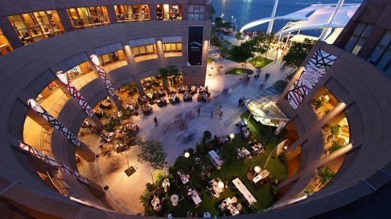 Esplanade juga bisa buat bersantai (Kredit: Singapore Tourism Board)