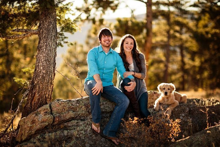 2-Outdoor-Engagement-Photos-Dog