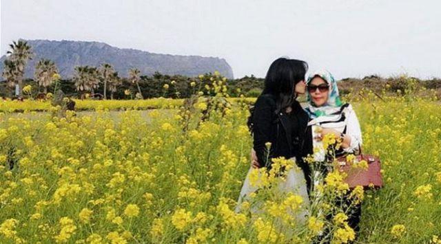 Syahrini ajak ibunya melancong ke Korea