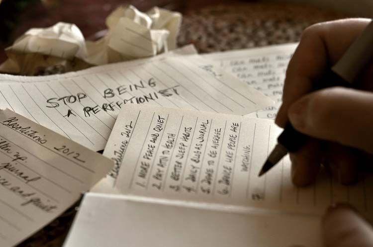 Luapkan semua emosimu di tulisan.