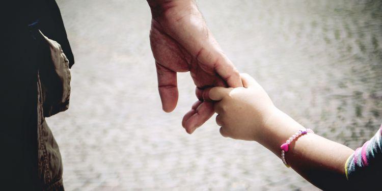 Ayah adalah cinta pertama yang sebenarnya