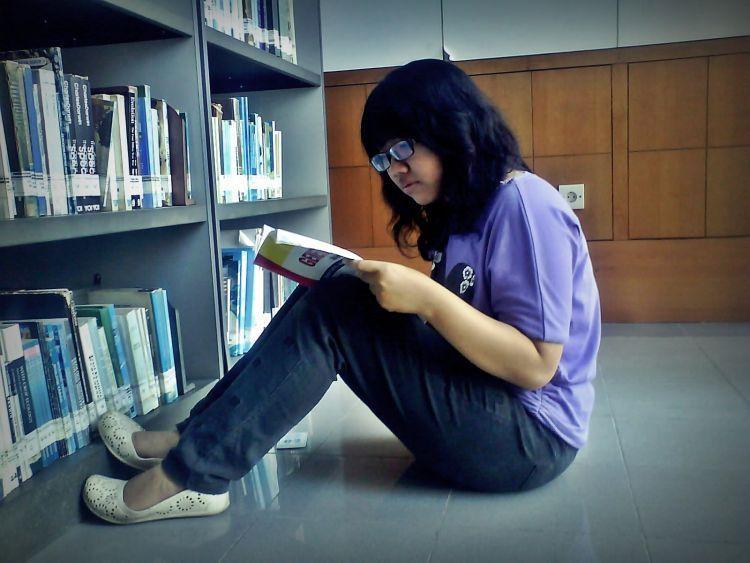 Baca buku dulu jadi hobi teman-temanmu
