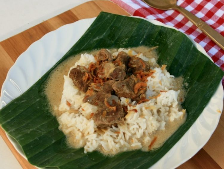nikmati segar dan gurihnya nasi gandul