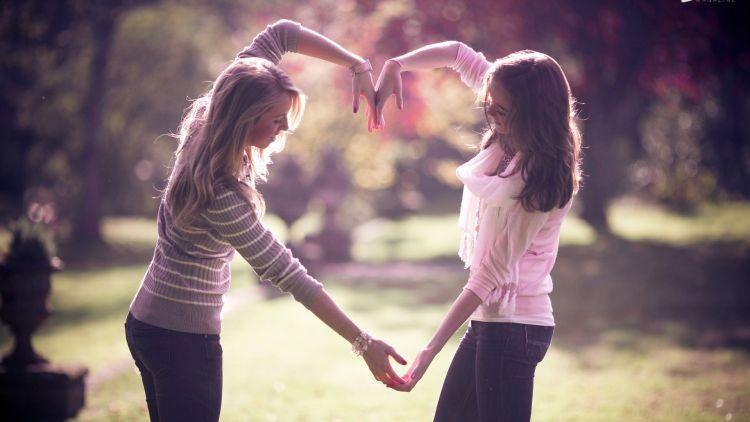 Berbahagialah bersama temanmu