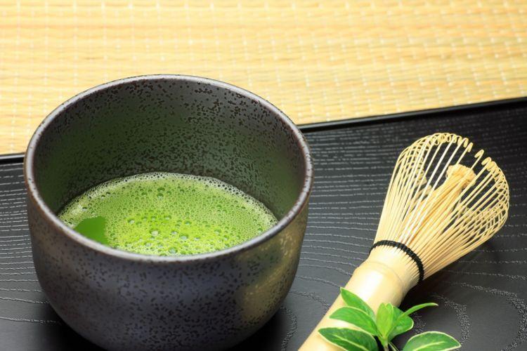 Wanita Jepang suka teh hijau