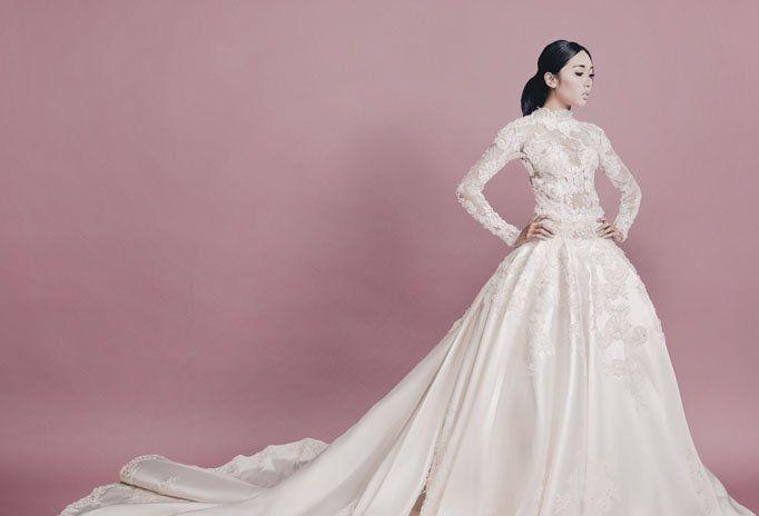 kecantikanmu akan terpancar dengan gaun putih