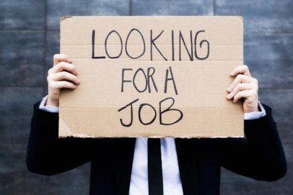 jumlah pengangguran di Indonesia makin banyak