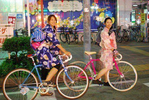 Mereka lebih suka naik sepeda dibanding naik kendaraan